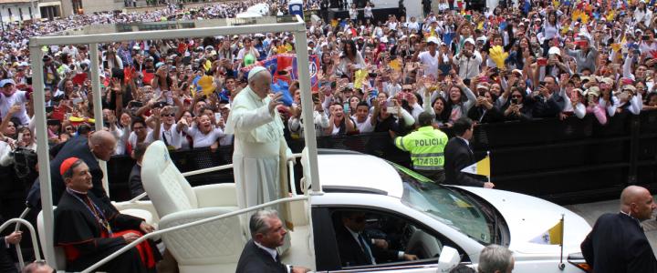 El papa Francisco cambió su itinerario para despedirse