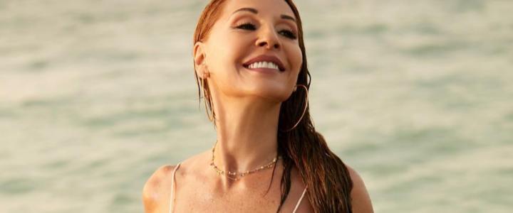 Amparo Grisales explota las redes mostrándose en bikini a los 64 años