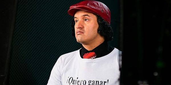 ¡Guerrero! Hassam lleva con humor su caída del cabello tras quimioterapias