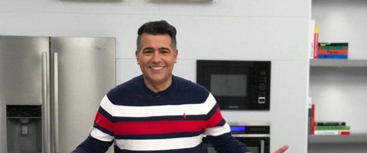 El presentador Carlos Calero resultó contagiado de covid