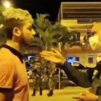 Policía regañó a un hombre que le alzó la voz a la mamá