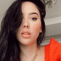 Aida Victoria publicó una foto sin brasier y burlo la censura de Instagram
