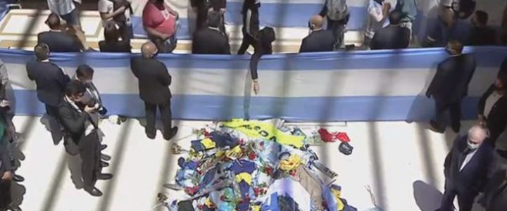 Video: Sigue la transmisión en vivo del funeral de Maradona