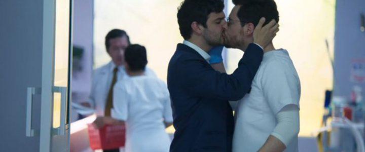 Llegaron los besos gay a la televisión colombiana