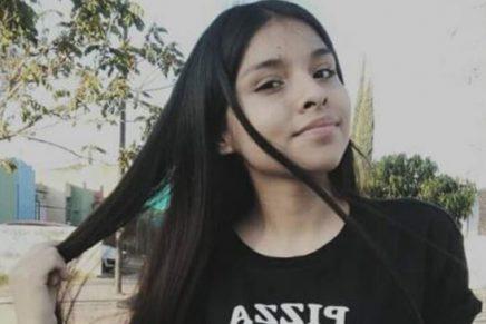 Joven vendió su cabello para ayudar a su abuelo Foto redes sociales