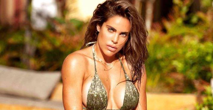 Sara Corrales puso a babear a más de uno con atrevida foto en mini tanga