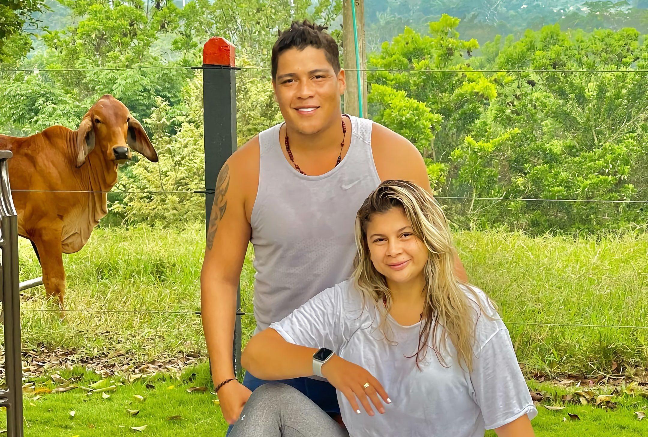 Abren investigación por posible irregularidad en vacunación de Rafa Pérez y su esposa