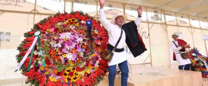 El apasionado sembrador de flores que se coronó rey de los silleteros